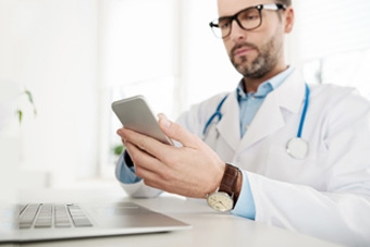 Should You Be Sharing Patient Stories in Social Media?
